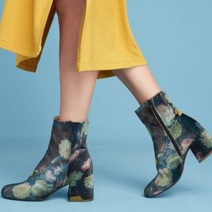 JUST IN 🔶️Anthropologie Miss L Fire Velvet Boot